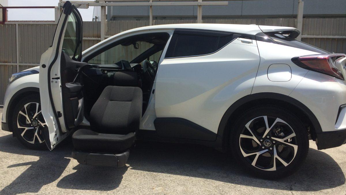 トヨタ C-HR X ターニーEVOの福祉車両改造事例2