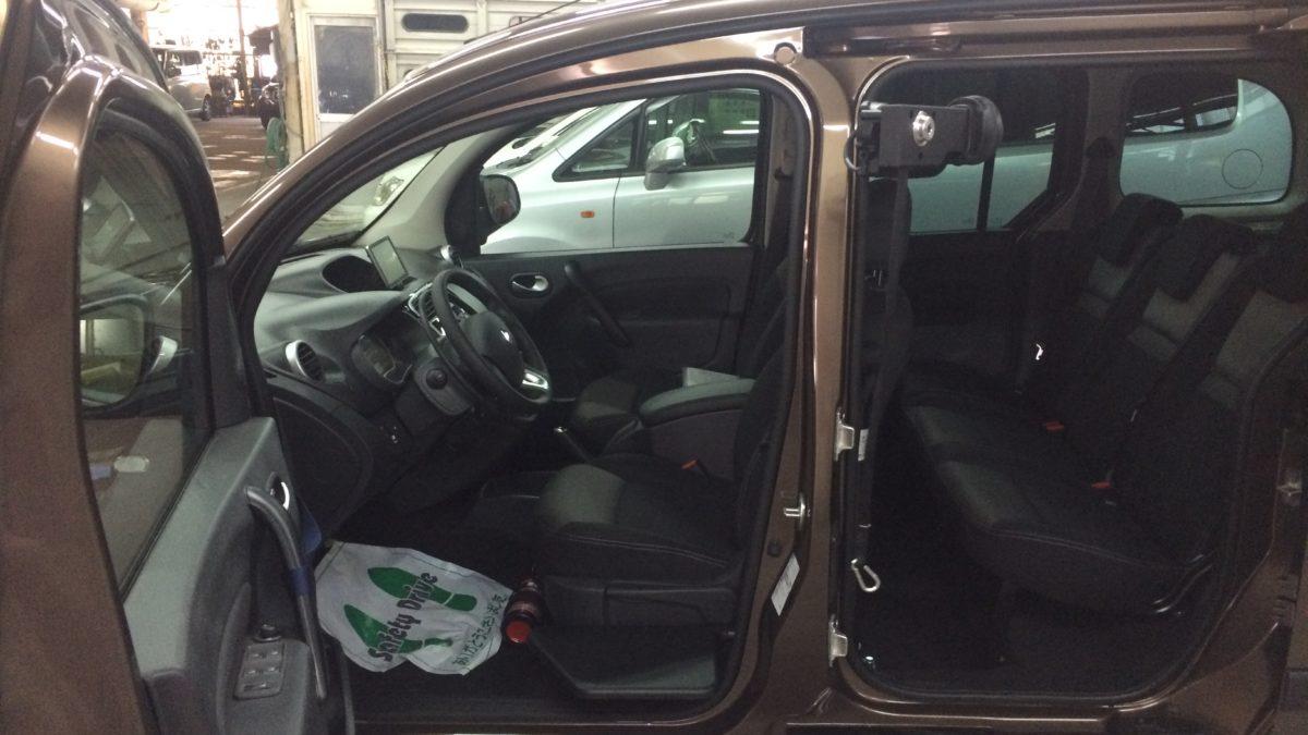 ルノー カングー(並行輸入車) × ピラーリフトの福祉車両改造事例5