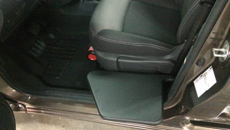 シートの座面が高くて車いすから移乗出来ないのですが・・・