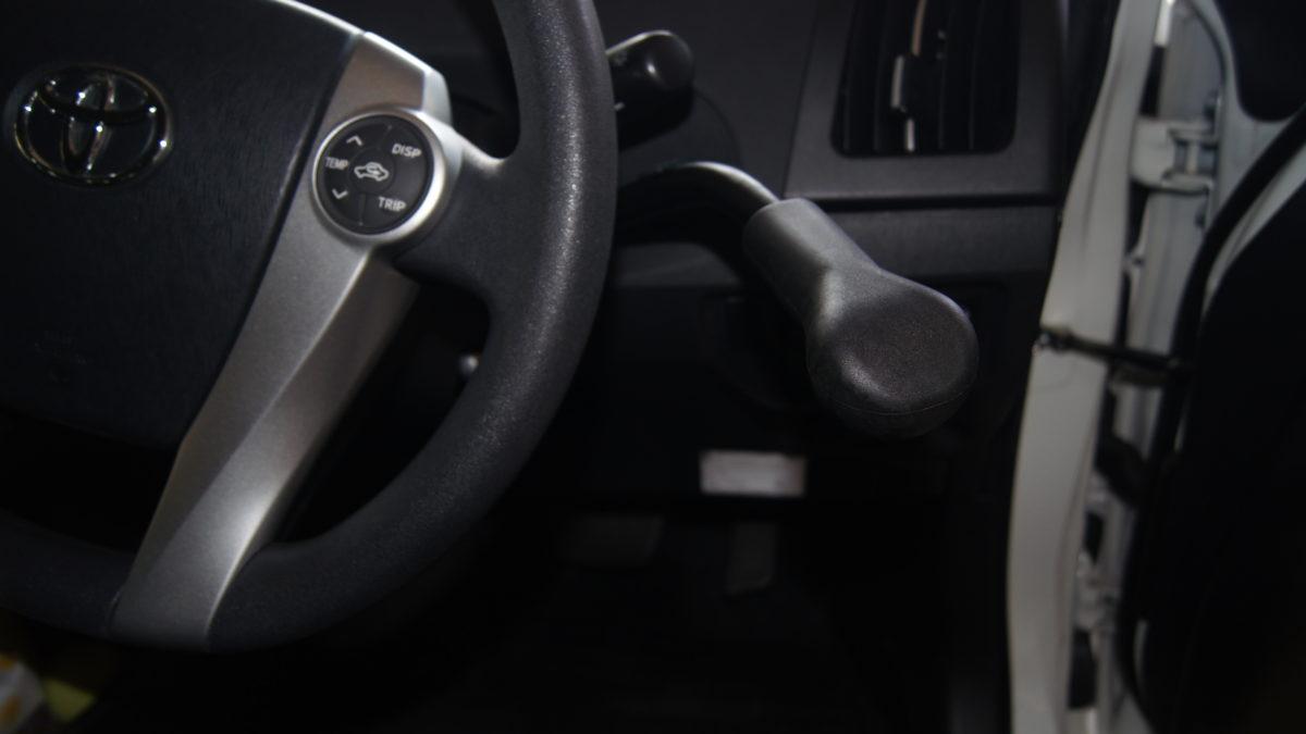 トヨタ プリウス X 見えるブレーキレバー(LF901ブレーキシステム)の福祉車両改造事例6