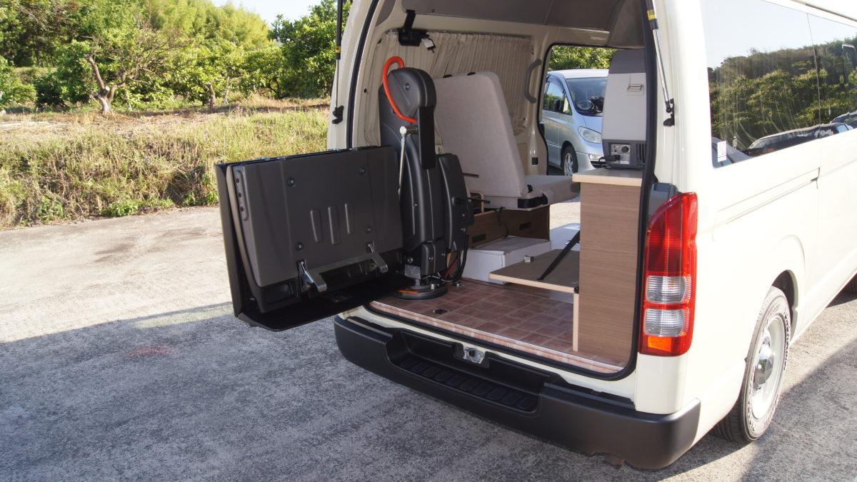 車いすリフト付きキャンピングカー 『アウラベース・リアエントリーモデル』の福祉車両改造事例4