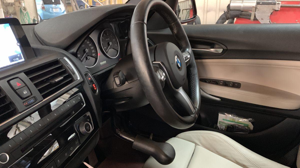 BMW 118ⅰ×補助ブレーキレバー(KIVI-LF901)の福祉車両改造事例2